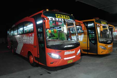 Foto Bus Indonesia