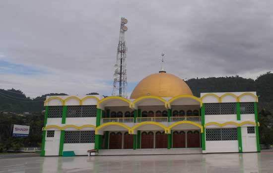 Indonesia's True Religion, Luwuk, Central Sulawesi: Indonesia's Holy Trinity.